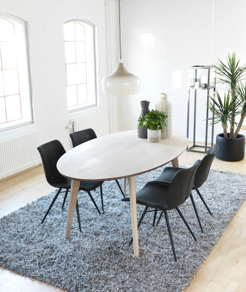 Oval Spisebord