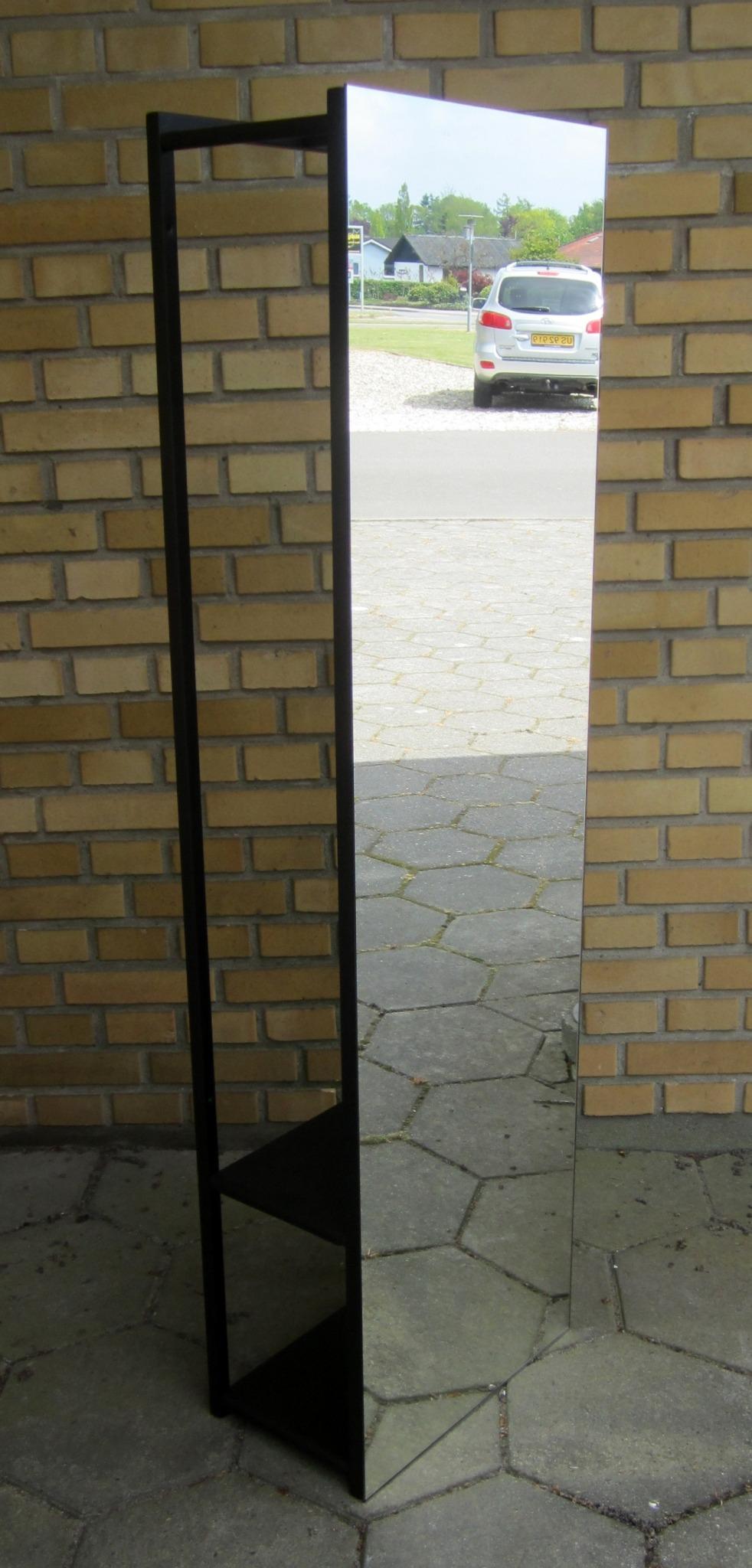 Væggarderobe