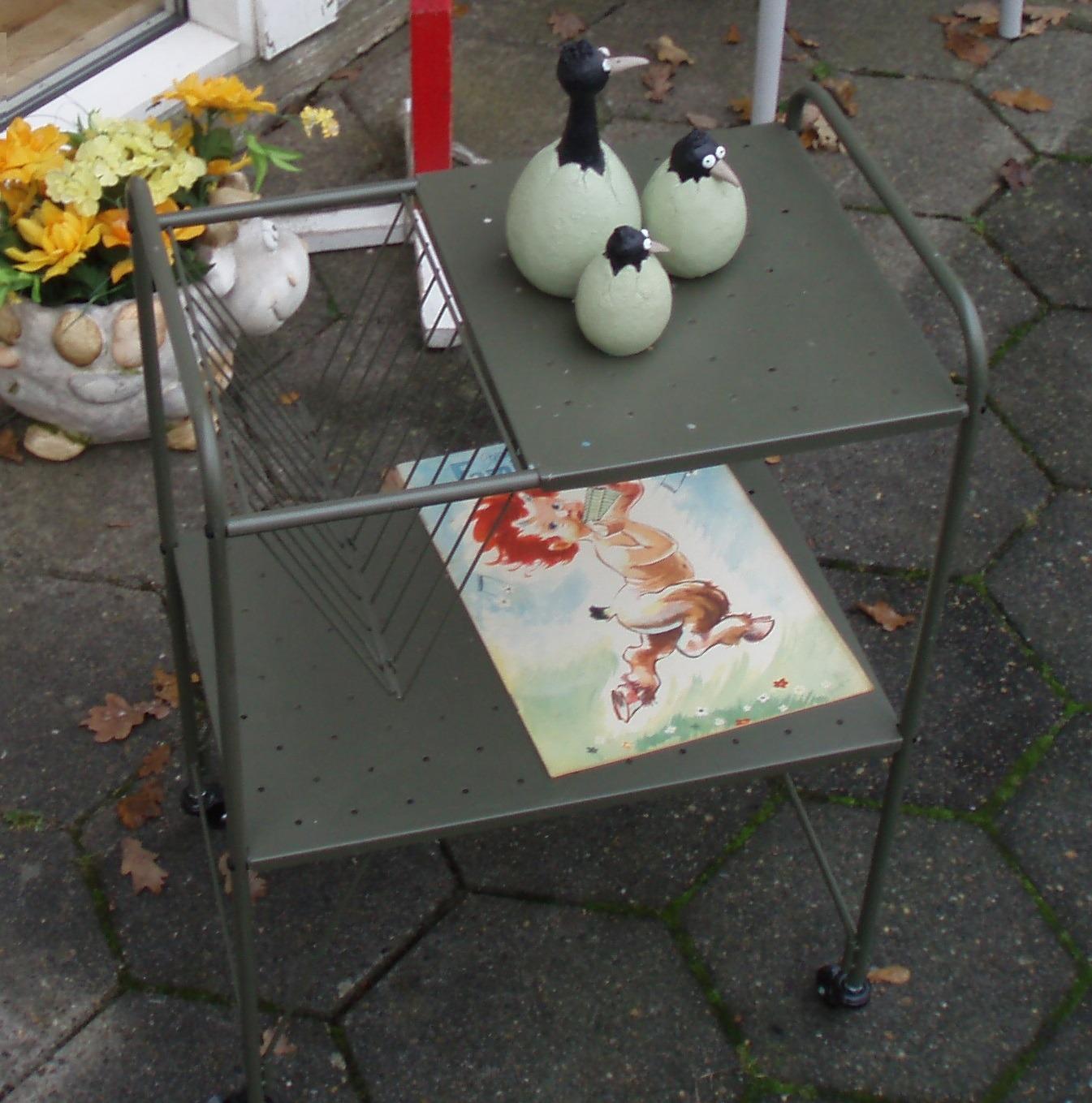 Lampebord med avisholder
