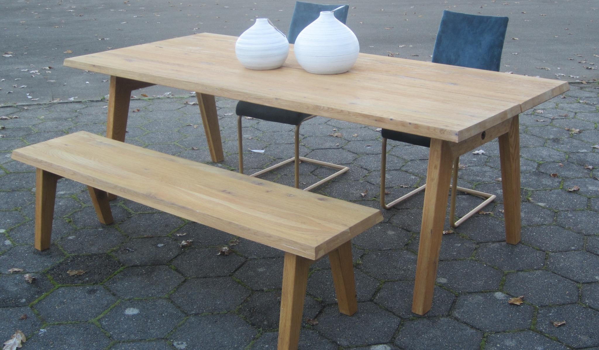 Spisebord + Bænk